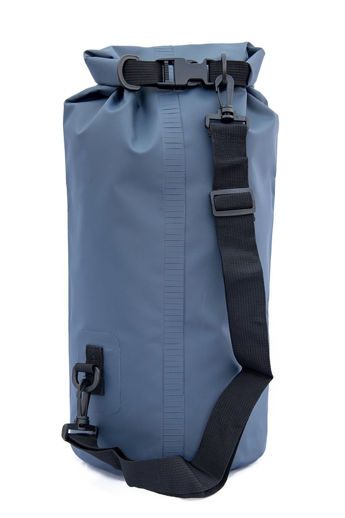 15 liter dry bag back side with shoulder strap