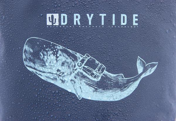 30 liter dry bag whale logo